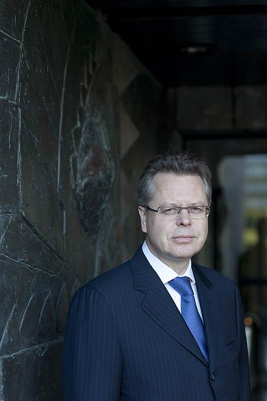 Governor Már Gudmundsson